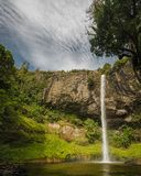 Brautschleier-Wasserfall, Nordinsel von Neuseeland lizenzfreies stockbild