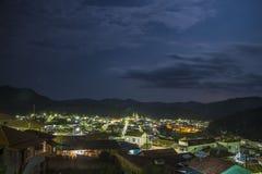 Brazópolis på natten - MG - Brasilien Royaltyfri Fotografi