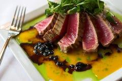 brazed rå tonfisk Royaltyfri Foto