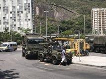 Brazil& x27; ejército de s que cierra los accesos a Rocinha Imágenes de archivo libres de regalías