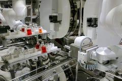 brazo del robot de la máquina de la quimioterapia en laboratorio Fotografía de archivo