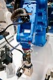 Brazo del robot de Yaskawa en Messe justo en Hannover, Alemania Imagen de archivo libre de regalías