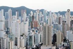 Brazylia, Balneario Camboriu, 02 11 2017: Powietrzny miasto widok od t Obrazy Royalty Free
