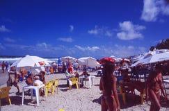 Brazylia: Upakowany Praia robi Futuro w Fortaleza mieście zdjęcia stock
