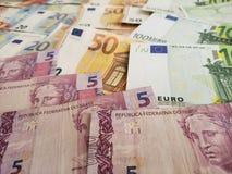 brazylijscy banknoty i europejczyków rachunki zdjęcie stock