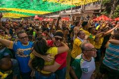 Brazylijscy fan piłki nożnej Świętuje zwycięstwo Zdjęcia Royalty Free