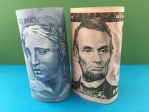 Brazylijski real versus dolar amerykański Zdjęcia Stock