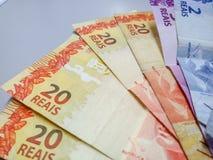 Brazylijski real zauważa 2, 20 reais zdjęcia stock