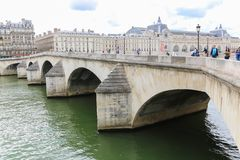 Brücke über der Seine, Paris Stockbild