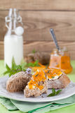 Bread with apricot and mint jam Royalty Free Stock Photos