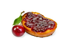 Bread with cherry jam and cherry Royalty Free Stock Photos