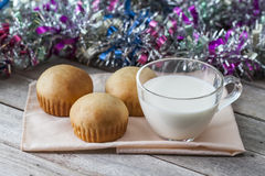 Bread and a glass of milk Royalty Free Stock Photos