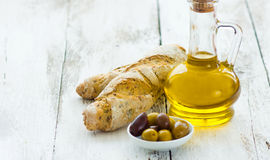 Bread with olives and olive oil Royalty Free Stock Photos