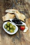 bread ziele świeże zielone oliwki Zdjęcia Stock
