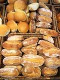 Breadrolls crostosi di recente al forno fotografia stock