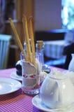 Breadstick in het mooie glas Stock Fotografie