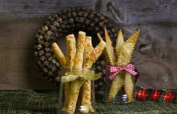 Breadsticks hechos en casa Grissini del queso parmesano fotografía de archivo