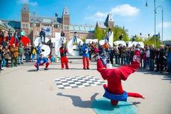 Break dance della gioventù sulle vie della città Breakdance di festival della via Amsterdam, Paesi Bassi Fotografia Stock Libera da Diritti