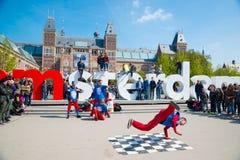 Break dance della gioventù sulle vie della città Breakdance di festival della via Amsterdam, Paesi Bassi Immagine Stock