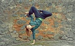 Breakdance女孩 免版税库存图片