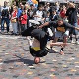 Breakdancer-headspin Bewegung Lizenzfreies Stockfoto
