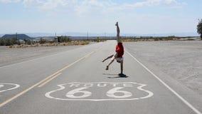 Breakdancer sur l'itinéraire 66 Photos libres de droits