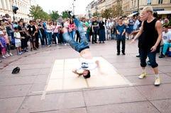 Breakdancers de la calle en Varsovia Imágenes de archivo libres de regalías
