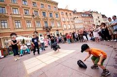 Breakdancers de la calle en Varsovia Imagen de archivo libre de regalías