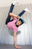 breakdancing的男孩 免版税库存照片