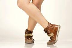 Breakdancing skor på vit Royaltyfri Foto