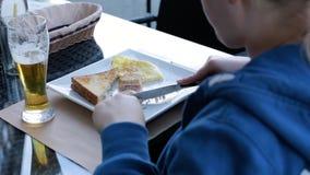 Breakfas, kawiarnia, jedzenie, kobieta, jeść plenerowy HD 1920*1080 zdjęcie wideo