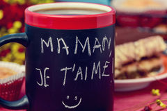 Free Breakfast And Text Maman Je T Aime, I Love You Mom In French Stock Image - 69737181