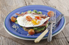 Breakfast with bacon and fried egg Stock Photography
