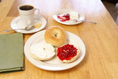 Free Breakfast Bagels Royalty Free Stock Photography - 4355467