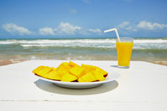Breakfast on the beach Royalty Free Stock Photos