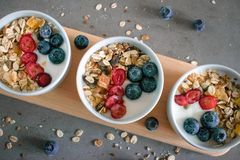 Breakfast bowl with oats and berries royalty free stock photos