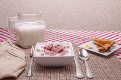 Breakfast cereal,bowl,milk,toast Stock Photography