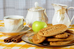 Breakfast with cinnamon cookies and coffee Royalty Free Stock Photography