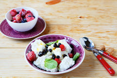 Breakfast cottage cheese and berries Royalty Free Stock Images
