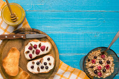 Breakfast of french toast with fresh berries Royalty Free Stock Photos