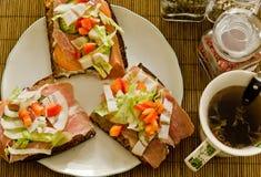 breakfast kanapki herbata Zdjęcie Royalty Free