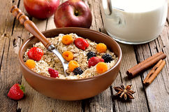 Breakfast with oatmeal and fresh berries Royalty Free Stock Photography