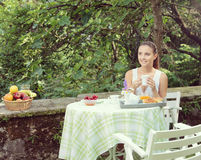 Breakfast outdoors Royalty Free Stock Photography