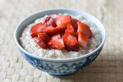 Breakfast porridge with strawberries Stock Photography