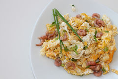 Breakfast - scrambled eggs with grabs and chives Royalty Free Stock Photos