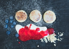 Breakfast set: cottage cheese pancakes with fresh blueberry Royalty Free Stock Photography