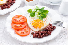 Breakfast Valentine's Day on  plate Royalty Free Stock Photos