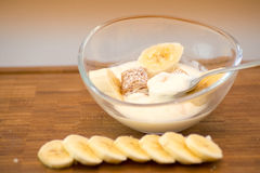 Breakfast - yogurt with fruit and cereals Royalty Free Stock Images