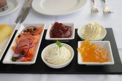 Breakfeast com salmões & doce Foto de Stock Royalty Free