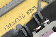 Breaking News written on an old typewriter Royalty Free Stock Photos